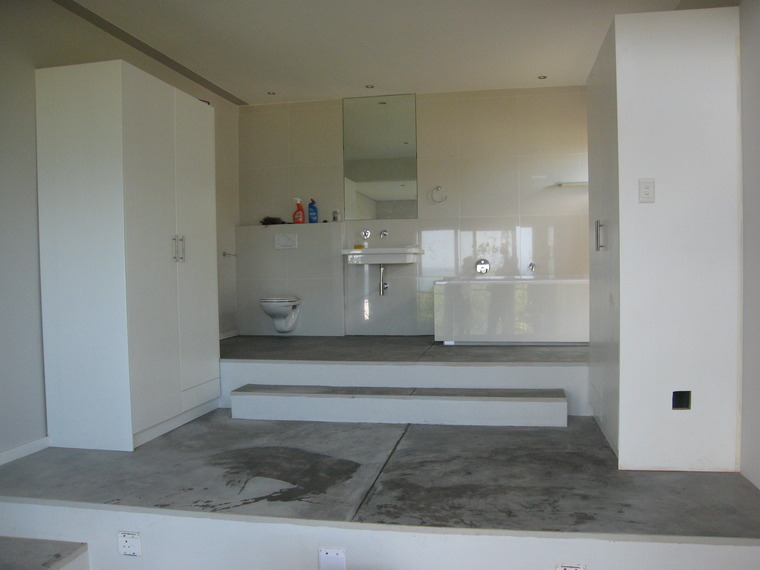 Kalk bay delene burman estates for Open plan bedroom bathroom